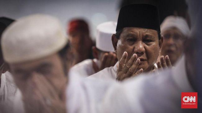 Prabowo Subianto mengaku siap mencalonkan diri dalam Pilpres 2024 apabila kembali mendapat kepercayaan rakyat. Prabowo sejauh ini ada di puncak elektabilitas.