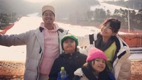 <p>Dari pernikahan dengan Gamila Arief, Pandji Pragiwaksono dikaruniai dua anak, Wadilla Dipo Wongsoyudo yang akrab disapa Dipo dan Ourania Almashira Wongsoyudo atau Shira. (Foto: Instagram @pandji.pragiwaksono)</p>