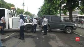 VIDEO: Razia Parkir Liar di Jakpus, Mobil Dinas Polri Diderek