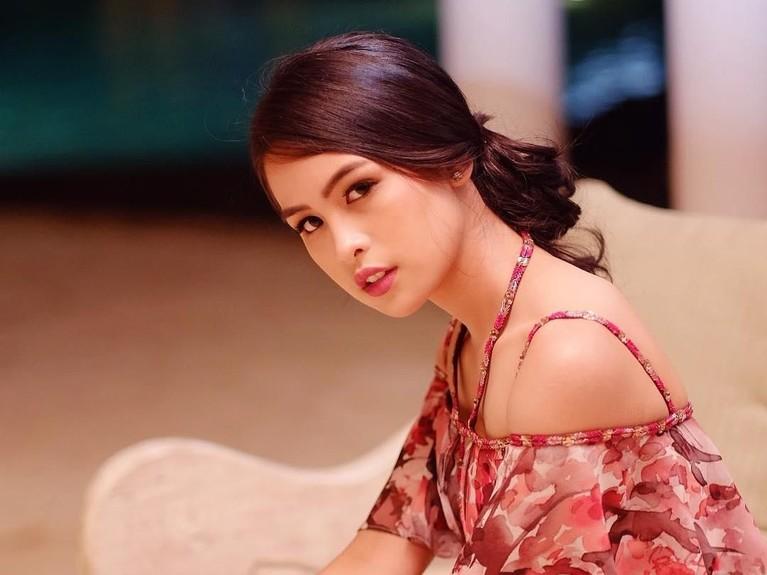Maudy Ayunda dipercaya untuk memerankan sosok Ainun muda dalam sekuel ketiga film Habibie & Ainun.