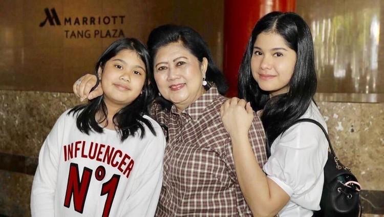 Kebahagiaan Ani Yudhoyono ditemani sang cucu, Almira yang telah lama merindukannya.