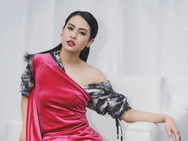 Pada film pertama Habibie & Ainun, karakter Ainun diperankan oleh Bunga Citra Lestari.