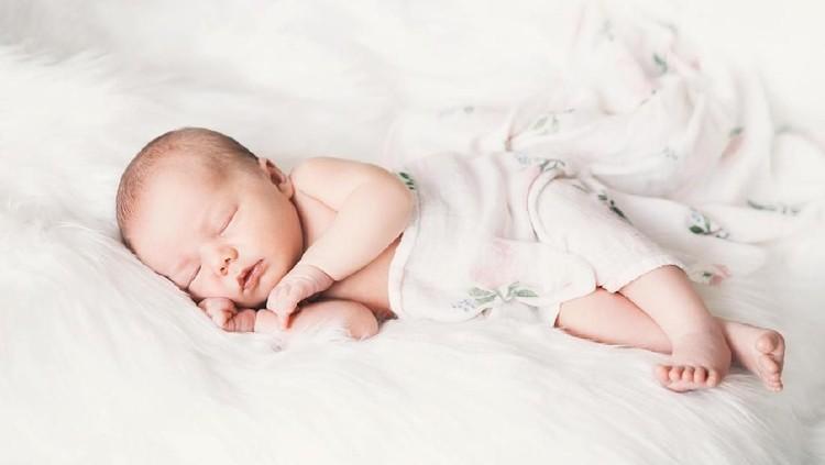 Hamil anak pertama selalu jadi momen istimewa. Pemilihan nama pun dilakukan dengan hati-hati. Nah, Bunda bisa pertimbangkan nama bayi bermakna pertama.