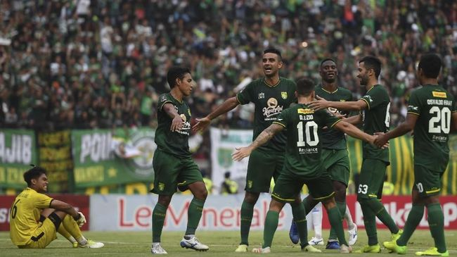 Presiden klub Persebaya Surabaya, Azrul Ananda menyebut jadwal kompetisi Liga 1 2019 tidak manusiawi.