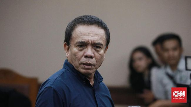 Mantan Gubernur Aceh Irwandi Yusuf dieksekusi KPK ke Lapas Sukamiskin setelah kasasinya ditolak dengan pemangkasan masa hukuman.
