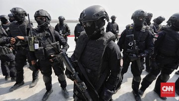 Panglima TNI Marsekal Hadi Tjahjanto mengatakan pandemi Covid-19 telah menyadarkan tentang pentingnya satuan baru menangani nuklir, biologi, dan kimia (Nubika).