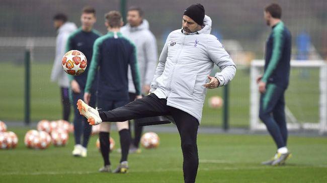 Manajer Tottenham Hotspur Mauricio Pochettino memberikan pertanda bakal hengkang dari klub asal London tersebut bila menjadi juara Liga Champions musim ini.