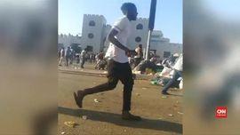 VIDEO: Demonstrasi Damai Rakyat Sudan Dibalas Tembakan