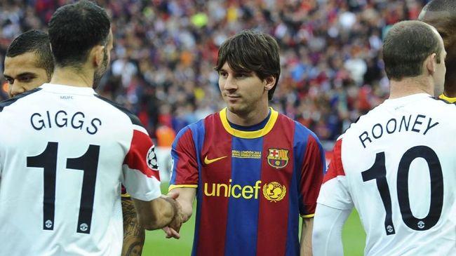 Mantan kapten Manchester United, Wayne Rooney, mengkritik taktik eks pelatihnya Sir Alex Ferguson saat lawan Barcelona.