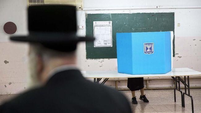MA Israel membolehkan anggota parlemen keturunan Arab, Heba Yazbak, mengikuti pemilu Maret mendatang.