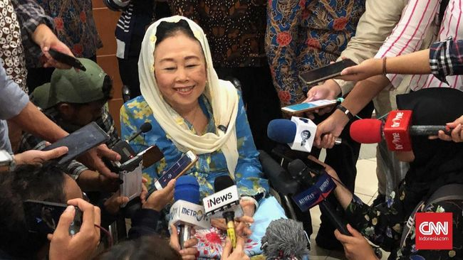 Saat melakukan video call, Sinta Nuriyah mengatakan Ani Yudhoyono masih dapat berkomunikasi dengan baik.