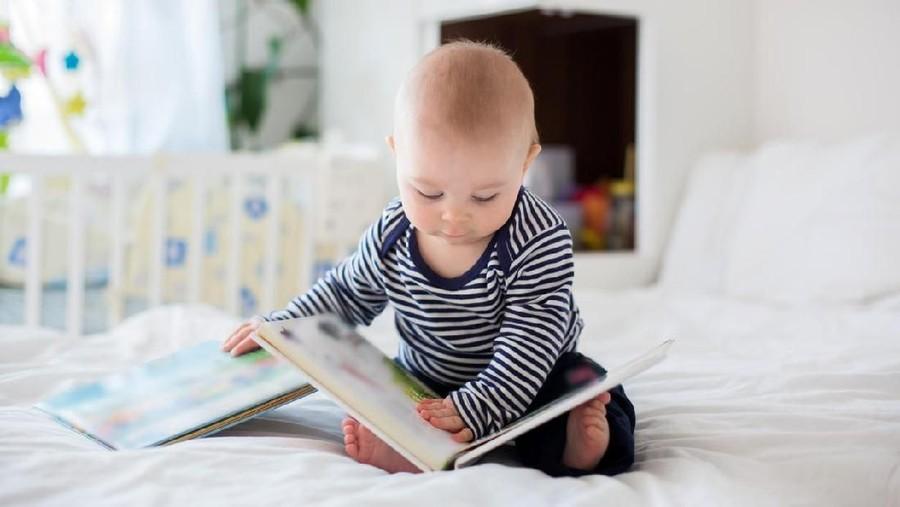 15 Nama Bayi Laki-laki Bermakna Pengetahuan