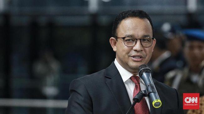 Polda Metro Jaya memanggil Gubernur DKI Jakarta Anies Baswedan untuk memberikan klarifikasi terkait pengumpulan massa simpatisan Rizieq Shihab.