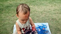 <p>Rambut jabrik Xabiru bikin gayanya makin lucu ya. (Foto: Instagram @rachelvennya)</p>