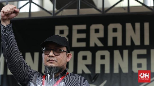 Hampir seribu hari kasus Novel Baswedan belum terungkap. Hari ini, Presiden Jokowi memanggil Kapolri Idham Azis ke Istana membicarakan pengungkapan kasus itu.