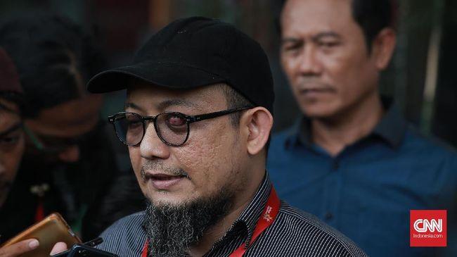 KPK masih menunggu sikap Polri dalam merespons perintah Presiden Joko Widodo untuk mengungkap pelaku penyerangan air keras terhadap Novel Baswedan.