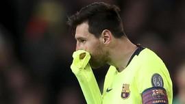 Bek Man United Smalling Bantah Sengaja Bikin Messi Berdarah