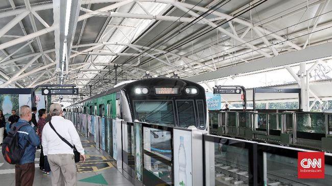 MRT Jakarta akan menerapkan pembayaran melalui QR code pada akhir Oktober 2019. Seleksi penyedia layanan QR code diikuti oleh GoPay, Ovo, dan LinkAja.