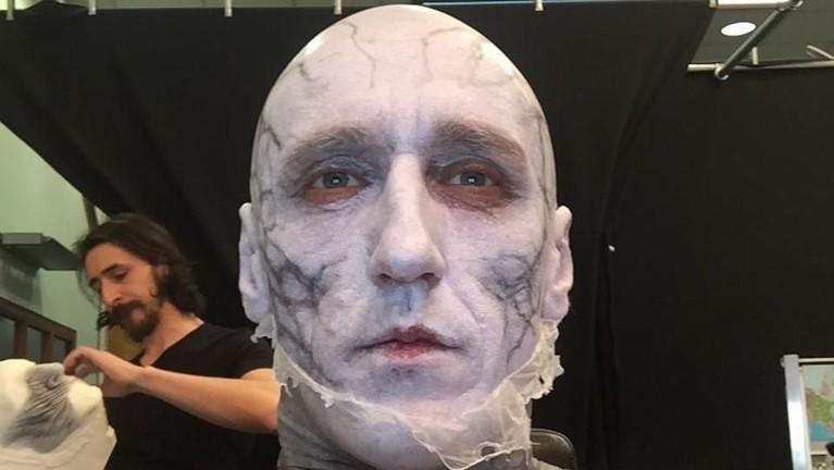 Vladimir Furdik berperan sebagaiThe Night Kingmenggantikan Richard Brake.