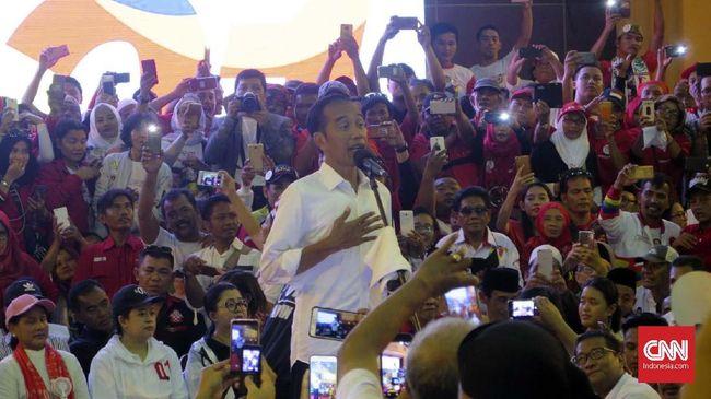 Jokowi mengatakan isu gambarnya sudah tercoblos di Malaysia tidak perlu diangkat secara tidak jelas dan langsung dilaporkan ke Bawaslu.