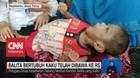 VIDEO: Balita Bertubuh Kaku Akhirnya Dibawa ke RS