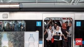 Hari Pertama Tarif Normal MRT, Penumpang Turun 4.919 Orang