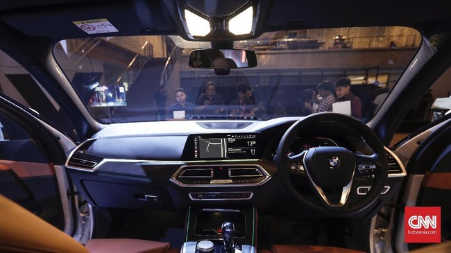 BMW X5 model baru resmi meluncur di Jakarta, Kamis (11/4). Pelopor Seri X sejak 1999 ini sekarang makin futuristik dengan membawa berbagai teknologi terbaru.