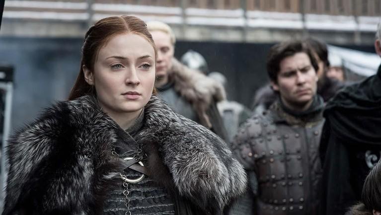 Seperti sang adik di serial adaptasi ini, pemeran Sansa Stark alias Sophie Turner juga mendapatkan bayaran USD 175 ribu (Setara Rp 2,4 Miliar) per satu episodenya.