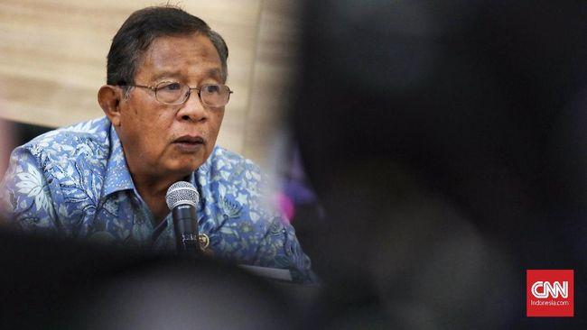 Menko Perekonomian Darmin Nasution menyebut pemerintah mengatur strategi menghadapi risiko resesi ekonomi global dengan melibatkan BI dan OJK.