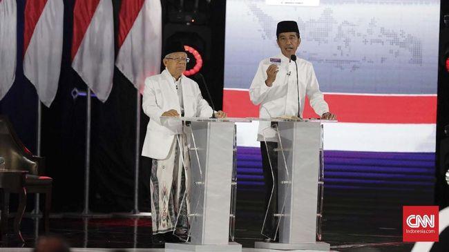 Calon Presiden Jokowi menyindir pemahaman Prabowo Subianto-Sandiaga Uno soal pengelolaan ekonomi makro dalam debat terakhir Pilpres 2019.