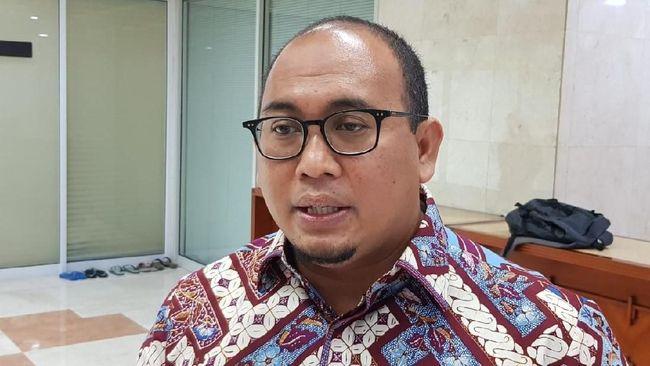 Politikus Partai Gerindra Andre Rosiade menilai Agus Harimurti Yudhoyono (AHY) lebih sering menerima undangan pihak lawan ketimbang berjuang bersama BPN.