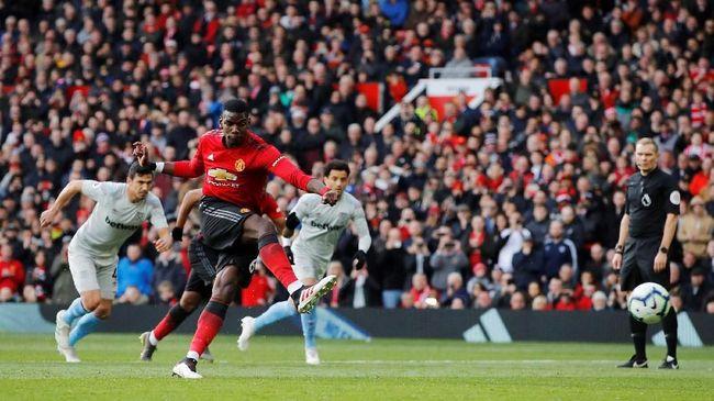 Juventus dilaporkan siap menukar dua pemain sekaligus, yakni Paulo Dybala dan Alex Sandro, demi mendapatkan gelandang Manchester United Paul Pogba.