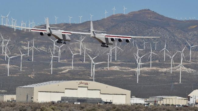 Pesawat Terbang Terbesar di Dunia Terbang Pertama Kali