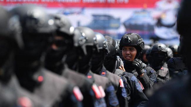 Kapolres Sampang mengatakan bentrok massa berujung penembakan itu buntut saling klaim menjadi saksi dari salah satu caleg di wilayah tersebut.