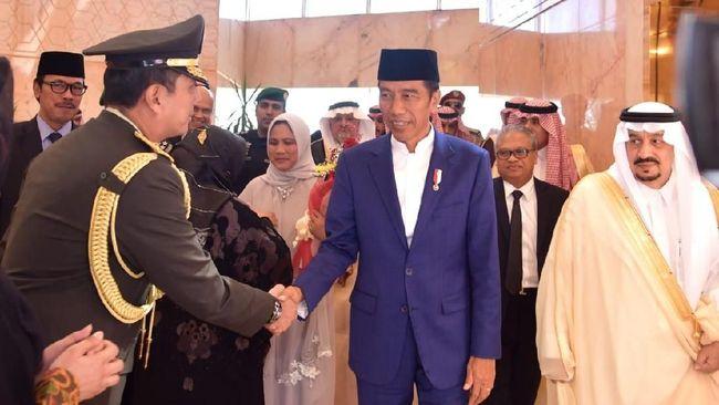 Plt. Juru Bicara Pencegahan KPK, Ipi Maryati Kuding menyatakan barang gratifikasi senilai Rp8,7 M yang diserahkan Jokowi berasal dari Raja Salman.