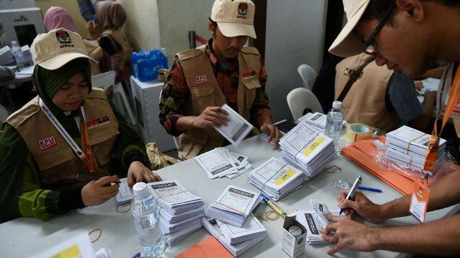 Operator telekomunikasi menyiapkan jaringan jelang Pemilu 2019 guna mengantisipasi lonjakan lalu lintas suara, teks, dan data.