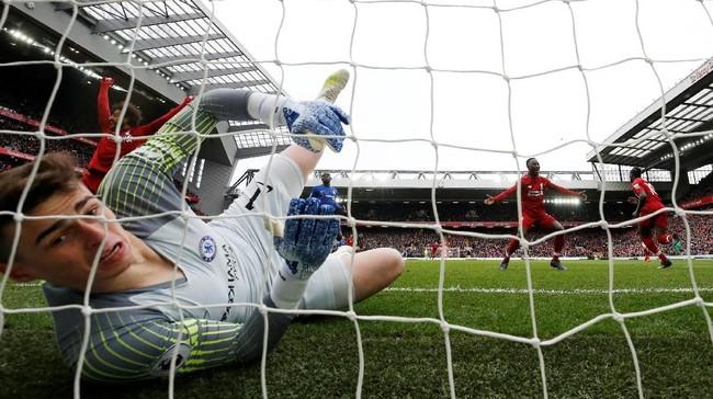 Liverpool mengalahkan Chelsea 2-0 pada laga pekan 34 Liga Inggris 2018/2019 di Stadion Anfield, Minggu (14/4), Sadio Mane dan Mohamed Salah cetak gol.
