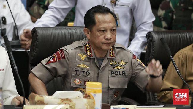 Polri menyatakan Jenderal Tito Karnavian selaku pemimpin kepolisian masih mempelajari laporan yang baru semalam diserahkan tim kasus Novel Baswedan.