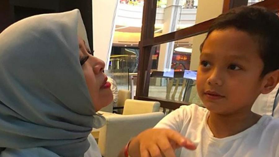 Saat Nur Asia Uno Titipkan Si Bungsu pada 2 Anak Perempuannya