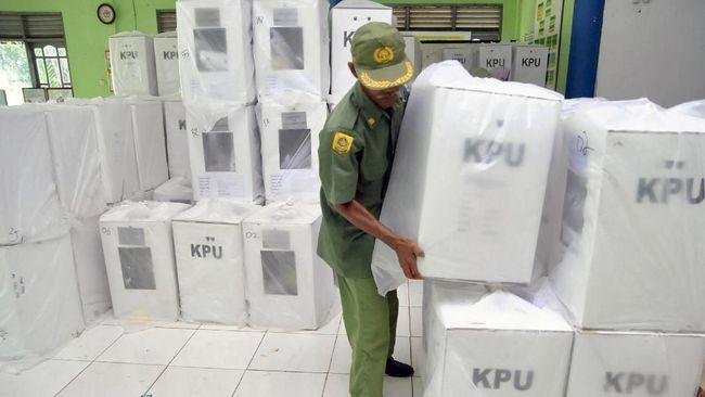 Ketua Komisi I Dewan Perwakilan Daerah Fachrul Razi menekankan pihaknya menolak pelaksanaan Pilkada Serentak 2020 di tengah pandemi Covid-19.