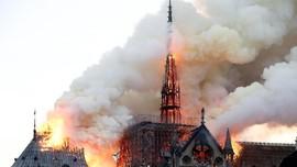 Aparat Prancis Sebut Kebakaran Notre-Dame Murni Kecelakaan