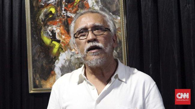 Musisi Iwan Fals mengomentari peluang NasDem mengikuti jejak Partai Demokrat, PAN, dan PKS untuk menjadi 'oposisi'.