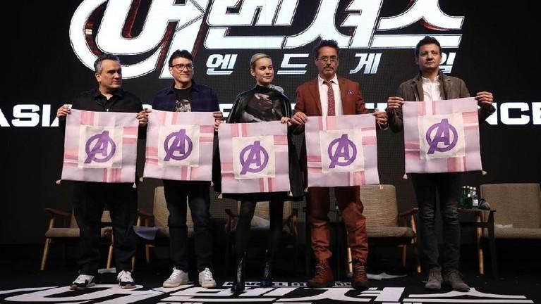 Kru dan pemain Avengers: Endgame baru saja menggelar Fan Event Avengers: Endgame di Korea Selatan. Berikut ini tujuh potret kemeriahannya.