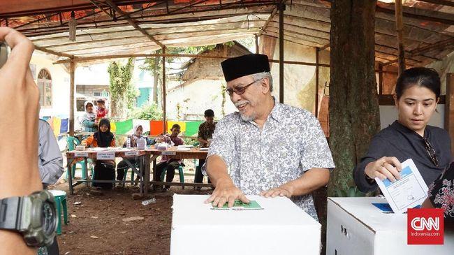 Musisi Iwan Fals mengomentari sejumlah elite PDIP mendukung Ketua DPR RI, Puan Maharani, maju sebagai calon presiden di Pilpres 2024.