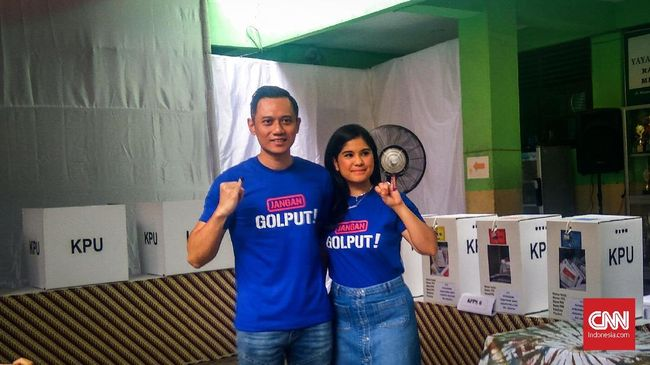 Pasangan Prabowo-Sandi menang di tempat Komandan Kogasma Demokrat AHY bersama keluarga mencoblos, yakni TPS 013 Kelurahan Petogogan, Kebayoran Baru.