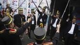 Masyarakat Indonesia merayakan pesta demokrasi bukan hanya dengan memilih, tapi juga mendirikan berbagai TPS unik lengkap dengan pernak-perniknya.