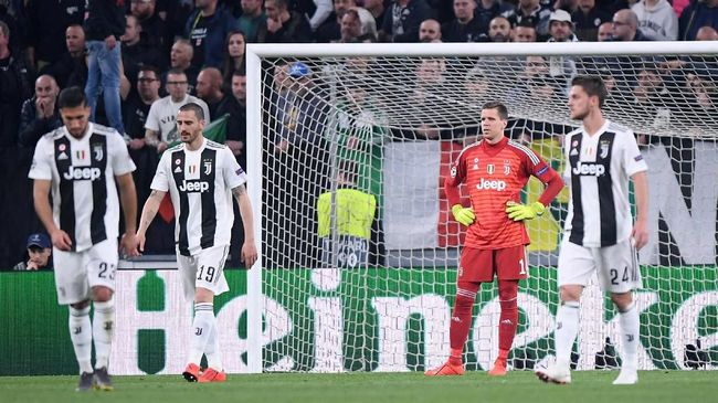 Juventus mengalami kerugian beruntun usai dikalahkan Ajax Amsterdam 2-1 di leg kedua perempat final Liga Champions, Rabu (17/4) dini hari WIB.
