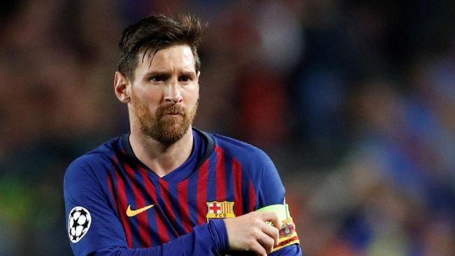 Legenda timnas Argentina, Mario Kempes, menilai bintang Barcelona, Lionel Messi sekarang bermain lebih egois daripada Cristiano Ronaldo.