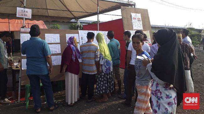 Di tengah kondisi prihatin pascapenggusuran, warga Kampung Akuarium tetap menggunakan hak pilihnya dalam momentum pemilihan anggota legislatif dan Pilpres 2019.