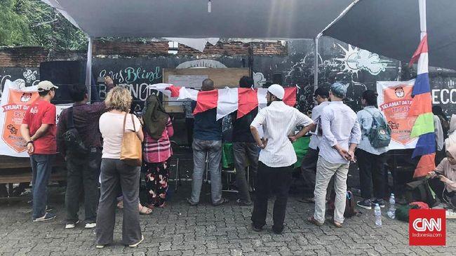 Capres-cawapres nomor urut 01 Jokowi-Ma'ruf mendapatkan suara terbanyak di TPS 044 Petamburan tempat markas Front Pembela Islam (FPI).